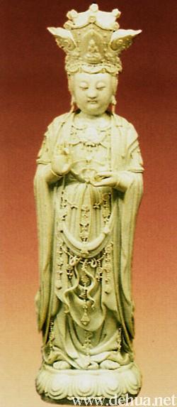 清代嘉庆德化白瓷观音像