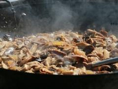笋干香菇炒肉。