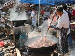 大锅的红烧肉已经准备出锅了。
