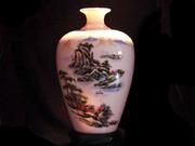 珠白瓷-花瓶(水山彩绘)