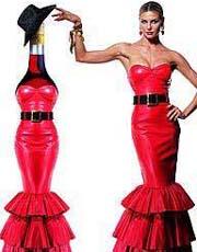 酒瓶与女人的另类创意