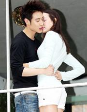 潘玮柏MV与美女演绎甜蜜恋情